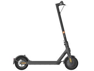 Slika Xiaomi MI električni scooter ESSENTIAL crni
